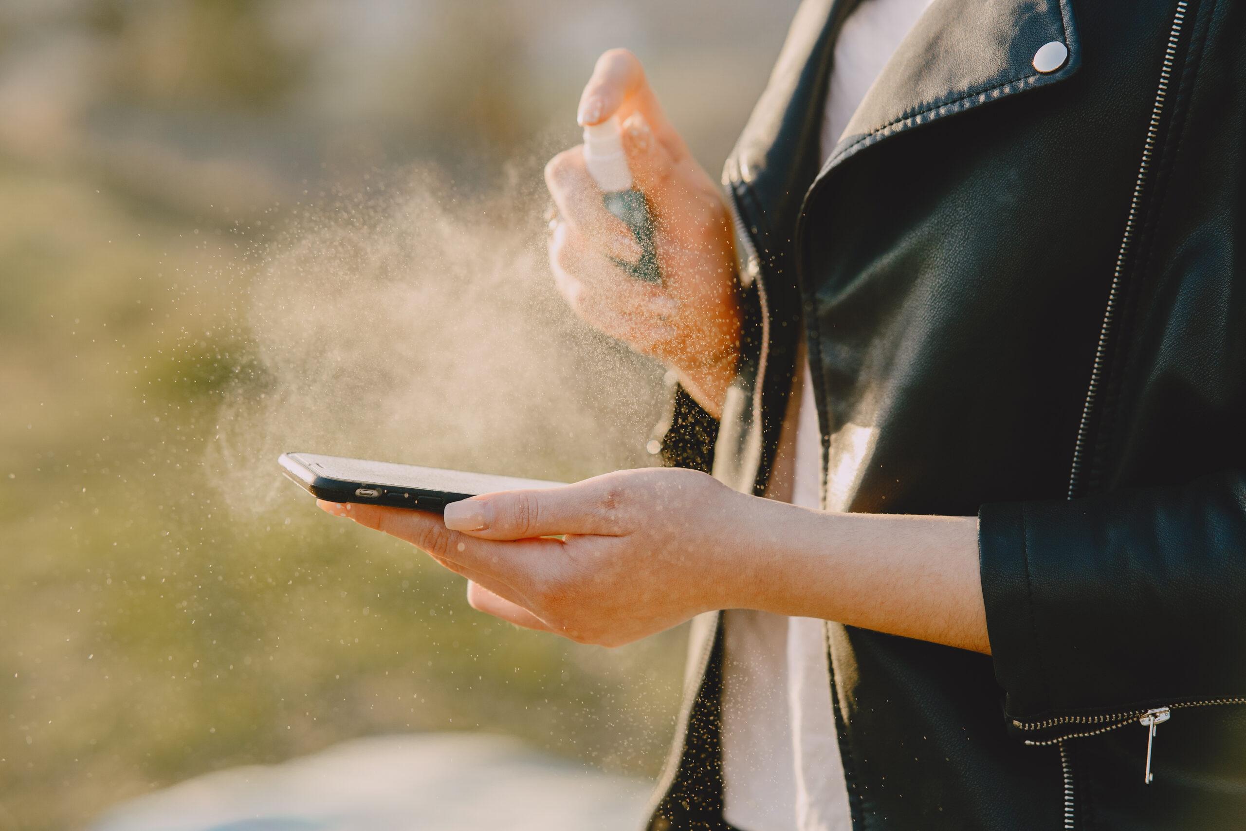 Coronavirus: cómo limpiar tu celular para prevenir el contagio del covid-19